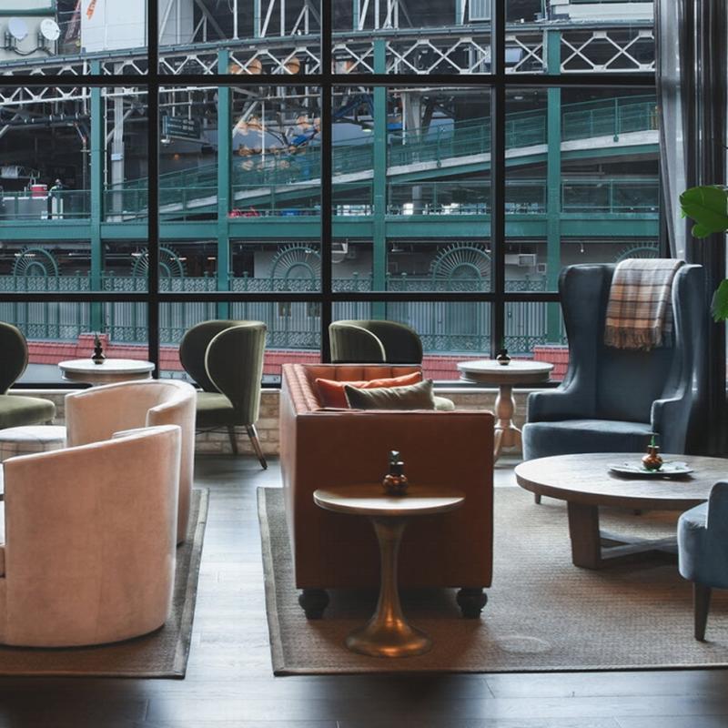 New Design Holden Fabric Upholstered Loveseat for Club Furniture